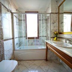 Acra Hotel - Special Class Турция, Стамбул - 2 отзыва об отеле, цены и фото номеров - забронировать отель Acra Hotel - Special Class онлайн ванная фото 2