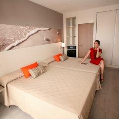 Отель Ohtels Playa de Oro Испания, Салоу - 7 отзывов об отеле, цены и фото номеров - забронировать отель Ohtels Playa de Oro онлайн комната для гостей фото 3