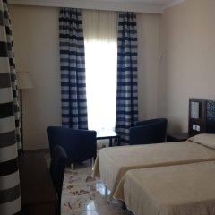 Grand Harbour Hotel Валетта сейф в номере