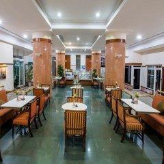 Отель Holiday International Sharjah ОАЭ, Шарджа - 5 отзывов об отеле, цены и фото номеров - забронировать отель Holiday International Sharjah онлайн питание фото 3