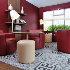 Отель Campanile Lyon Est - Aéroport Saint Exupéry гостиничный бар