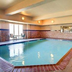 Отель Comfort Suites Vicksburg бассейн