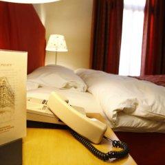 Le Palace Art Hotel сейф в номере