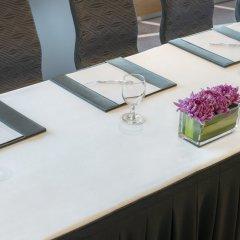 Отель Le Royal Meridien Abu Dhabi удобства в номере фото 2