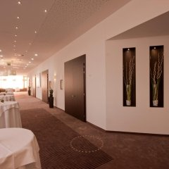 Отель Holiday Inn Bratislava интерьер отеля