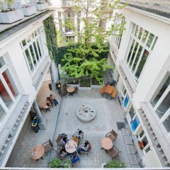 Отель Jacques Brel Youth Hostel Бельгия, Брюссель - отзывы, цены и фото номеров - забронировать отель Jacques Brel Youth Hostel онлайн бассейн
