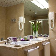 Отель Ayre Hotel Sevilla Испания, Севилья - 2 отзыва об отеле, цены и фото номеров - забронировать отель Ayre Hotel Sevilla онлайн ванная