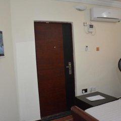 Platinum Inn Gee Hotel сейф в номере