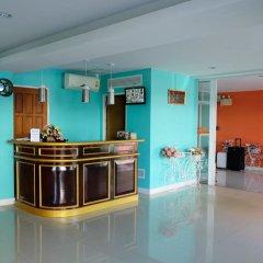 Отель Raya Rawai Place Бухта Чалонг гостиничный бар