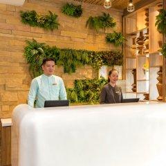 Oakwood Hotel Journeyhub Phuket интерьер отеля фото 2