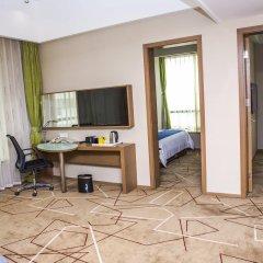 Отель Holiday Inn Express Chengdu West Gate комната для гостей фото 2