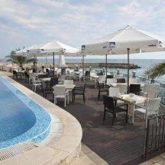 Отель Royal Bay Resort All Inclusive Болгария, Балчик - отзывы, цены и фото номеров - забронировать отель Royal Bay Resort All Inclusive онлайн бассейн фото 2