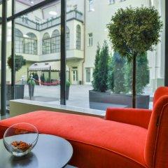 Hotel Garden Court интерьер отеля