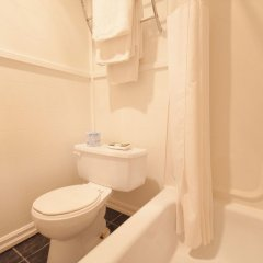 Отель Sutton Park Inn ванная