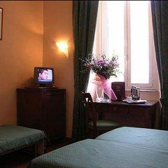 Отель Albergo Abruzzi Италия, Рим - отзывы, цены и фото номеров - забронировать отель Albergo Abruzzi онлайн удобства в номере фото 2