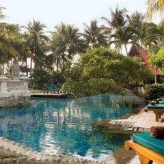 Отель Four Points By Sheraton Surabaya Сурабая бассейн фото 2