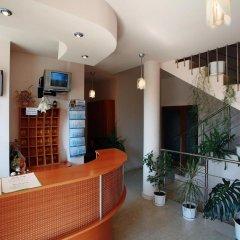 Отель Family Hotel Denica Болгария, Аврен - отзывы, цены и фото номеров - забронировать отель Family Hotel Denica онлайн интерьер отеля