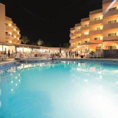 Отель Azuline Hotel - Apartamento Rosamar Испания, Сан-Антони-де-Портмань - отзывы, цены и фото номеров - забронировать отель Azuline Hotel - Apartamento Rosamar онлайн бассейн фото 3