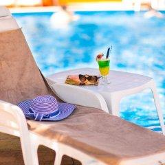 Отель Briz 2 Hotel Болгария, Варна - отзывы, цены и фото номеров - забронировать отель Briz 2 Hotel онлайн бассейн