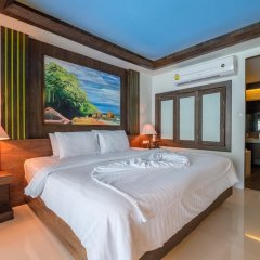Отель Naina Resort & Spa сейф в номере