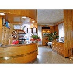 Отель Ristorante Albergo Roma Италия, Леньяно - отзывы, цены и фото номеров - забронировать отель Ristorante Albergo Roma онлайн интерьер отеля