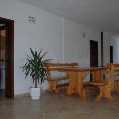 Отель Dinko Motel Болгария, Сандански - отзывы, цены и фото номеров - забронировать отель Dinko Motel онлайн интерьер отеля