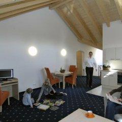 Отель Landhaus Sixtmuhle Германия, Тауфкирхен - отзывы, цены и фото номеров - забронировать отель Landhaus Sixtmuhle онлайн интерьер отеля