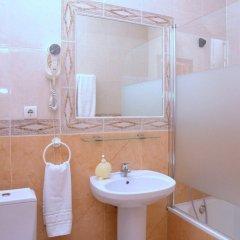 Отель Hostal Los Montes ванная