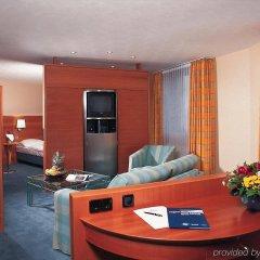 Atlantic Hotel Airport комната для гостей