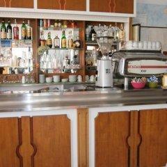 Hotel Goldene Rose Римини гостиничный бар