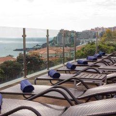 Отель The Lince Madeira Lido Atlantic Great Hotel Португалия, Фуншал - 1 отзыв об отеле, цены и фото номеров - забронировать отель The Lince Madeira Lido Atlantic Great Hotel онлайн пляж