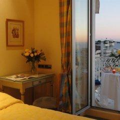 Отель Splendid Cannes Франция, Канны - 8 отзывов об отеле, цены и фото номеров - забронировать отель Splendid Cannes онлайн удобства в номере фото 2