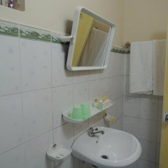Отель Violet - Bui Thi Xuan Hotel Вьетнам, Далат - отзывы, цены и фото номеров - забронировать отель Violet - Bui Thi Xuan Hotel онлайн ванная фото 2