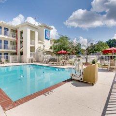 Отель Motel 6 Columbus West бассейн фото 2
