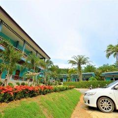Отель Tum Mai Kaew Resort парковка