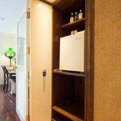 Отель Buddy Lodge Бангкок сейф в номере