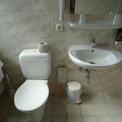 Отель und Rasthof AVUS Германия, Берлин - отзывы, цены и фото номеров - забронировать отель und Rasthof AVUS онлайн ванная