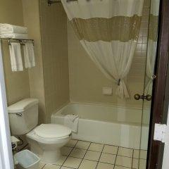 Отель Travel Inn - Columbus North США, Колумбус - отзывы, цены и фото номеров - забронировать отель Travel Inn - Columbus North онлайн ванная фото 2