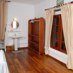 Отель New Old Dutch House Шри-Ланка, Галле - отзывы, цены и фото номеров - забронировать отель New Old Dutch House онлайн ванная фото 2