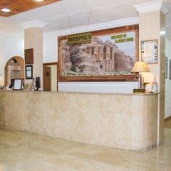 Отель Alanbat Hotel Иордания, Вади-Муса - отзывы, цены и фото номеров - забронировать отель Alanbat Hotel онлайн интерьер отеля фото 2