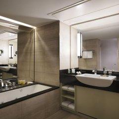 Отель Hyatt Regency Köln Германия, Кёльн - 1 отзыв об отеле, цены и фото номеров - забронировать отель Hyatt Regency Köln онлайн ванная