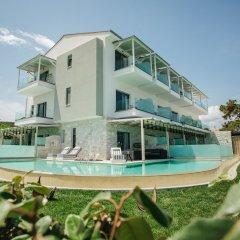 Отель Blue Carpet Luxury Suites Греция, Ханиотис - отзывы, цены и фото номеров - забронировать отель Blue Carpet Luxury Suites онлайн бассейн фото 3