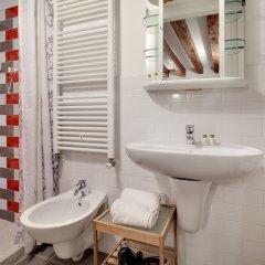 Отель Fenice Maison Италия, Венеция - отзывы, цены и фото номеров - забронировать отель Fenice Maison онлайн ванная