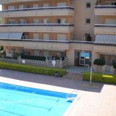 Отель RVhotels Apartamentos Ses Illes Испания, Бланес - отзывы, цены и фото номеров - забронировать отель RVhotels Apartamentos Ses Illes онлайн бассейн фото 2