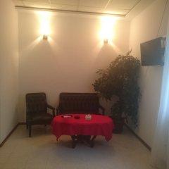 Отель No Problem Hotel at Glinka Street Армения, Ереван - отзывы, цены и фото номеров - забронировать отель No Problem Hotel at Glinka Street онлайн комната для гостей
