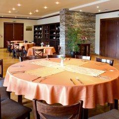 Отель Saint Ivan Rilski Hotel & Apartments Болгария, Банско - отзывы, цены и фото номеров - забронировать отель Saint Ivan Rilski Hotel & Apartments онлайн питание фото 3