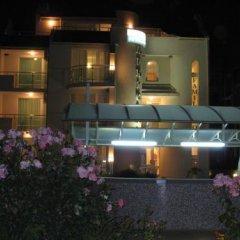 Отель Africana Болгария, Свети Влас - отзывы, цены и фото номеров - забронировать отель Africana онлайн вид на фасад