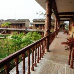 Отель Jungle Safari Lodge Непал, Саураха - отзывы, цены и фото номеров - забронировать отель Jungle Safari Lodge онлайн балкон