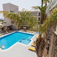 Отель Alameda de Jandía бассейн