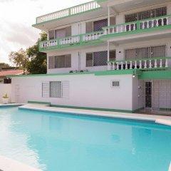 Отель Villa Donna Inn бассейн
